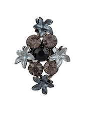 Antique Ring With Black & Grey Flowers - THE BLING STUDIO