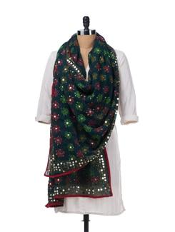 Green Handcrafted Dupatta - Vayana