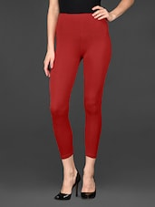 Solid Red 3/4th Viscose Lycra Leggings - De Moza