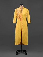 Yellow Floral Printed Cotton Kurti - Tissu