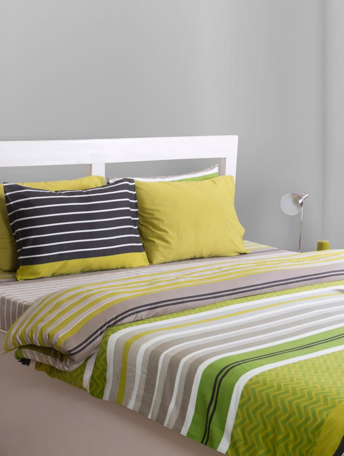 Stripped Cotton Bedsheet With Pillow Cover - HOUSE THIS