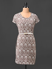 Elegant Printed Shift Dress With White Waist Belt - Hotberries