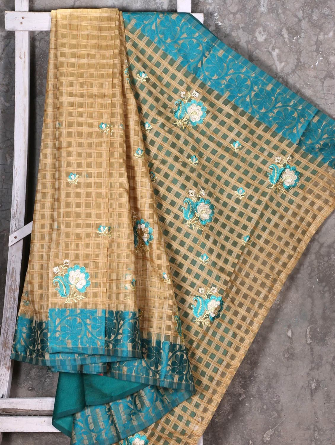 Checked With Embroidered Pallu Synthetic Saree - Shiva Saree - 1089460