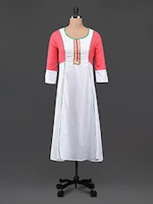 Color Block Round Neck Kurta - Aana