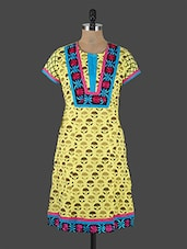 Short Sleeves Floral Embroidered Kurta - Switchon
