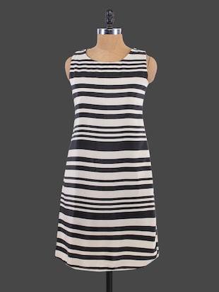 monochrome print sleeveless dress