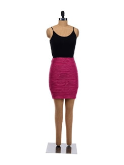 Fuchsia Wave Lines Fitted Skirt - Forever  New