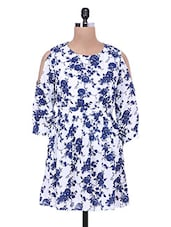 Floral Printed White And Dark Blue Poly Crepe Pleated Top - By