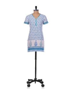 White And Blue Printed Cotton Cambric Kurta - Diva