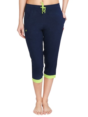 Capris Online - Buy Womens Capris, Capri Pants Online in India