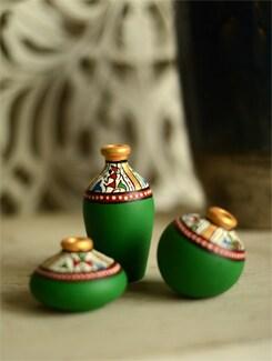 Green Set Of 3 Terracotta Pots - ExclusiveLane