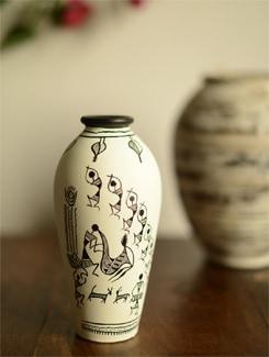 Black And White Vase With Madhubani Art Work - ExclusiveLane