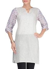 White Cotton Blend Printed Kurti - By - 1299417