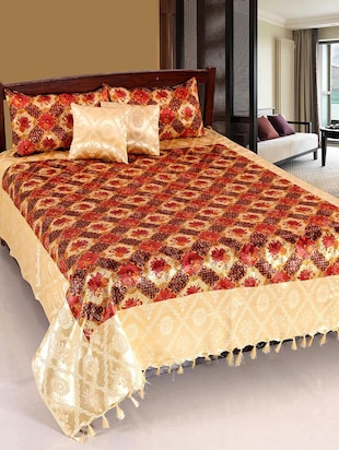 Home Castle Royal Golden Printed Double Bedcover +2 Pillow Covers + 2 Cushion Covers -  online shopping for bed covers