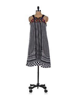 Tribal Pop Print Kurta With Black Straps - Global Desi