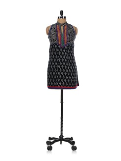 Sleeveless Kurti With Mandarin Collar - Global Desi