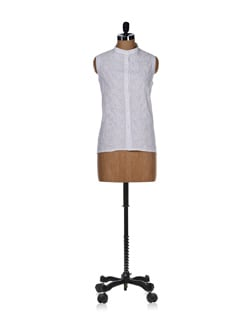 Classic White Embroidered Top - Vandeymatram