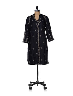Embroidered Black Angrakha Kurta - Vandeymatram
