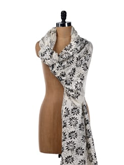 Black And White Printed Dupatta - SONJATO SEN