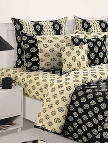Black And Off White Floral Print Bed Linen Set - SWAYAM