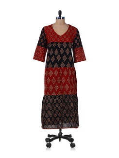 Traditional Black-Maroon Printed Kurta - Desiweaves