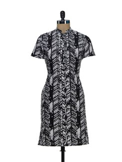 Abstract Print Kurta In Black And White - Vedanta