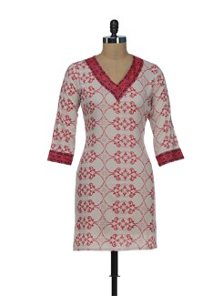 Red & Cream Printed V Neck Kurta - AFSANA