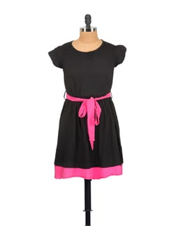 Cute Dress In Black And Fuchshia - GRITSTONES