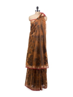 Red Checked Saree With Zari Border - Bunkar