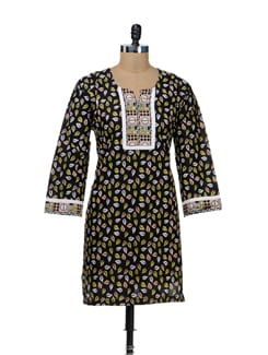 Stylish Black Leaf Print Kurta - STRI