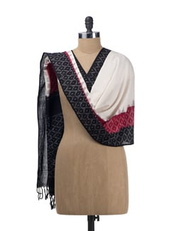 Black And Red Ikat Dupatta - Tatsat