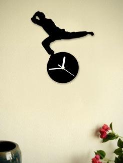 Kung Fu Kick Clock - Silhouette