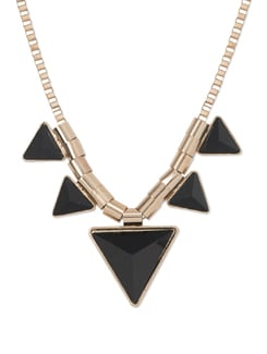 Exotic Pyramid Necklace In Black - Miss Chase