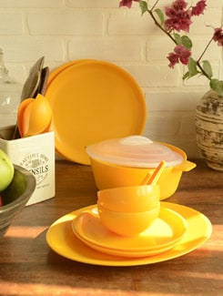 Yellow Dinner Set Of 21pcs - TRUST And GUESS