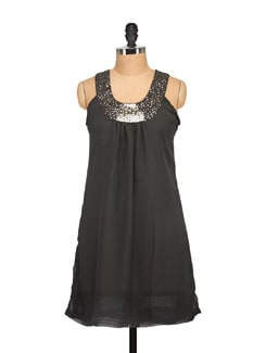 Trendy Black Short Dress - Tapyti