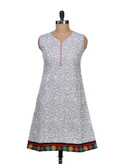 Delicate Print Kurti With Floral Hem - Vendee Lifestyle