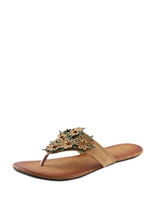 Brown Flats With Flowers - CENIZAS