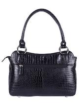 Elegant Black Textured Handbag - Hidekraft