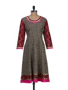 Printed Beige Kurta With Geometric Sleeves - NAVYOU