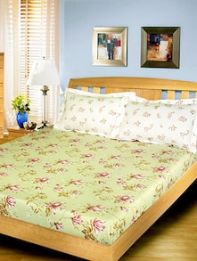 Magnolia Floral Pattern Double Bedsheet With 2 Pillow Covers - Freelance