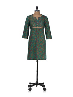 Beautiful Kurta In Peacock Colours - Cotton Curio