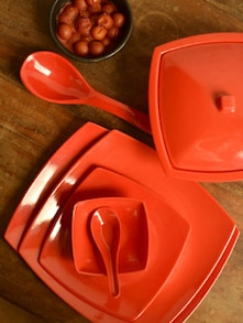 Robust Red Dinner Set - Birde