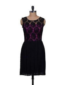 Black Lace Pleated Dress - Meee
