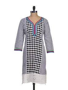Cotton Kurta With Chequered Panel - Paislei