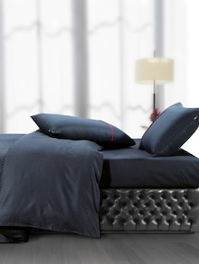 Luxe Black Super King Bedsheet With Pillow Covers - Oxford