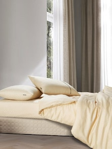 Luxe Cream Bedsheet With Pillow Covers - Oxford