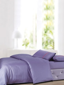Luxe Lilac Bedsheet With Pillow Covers - Oxford