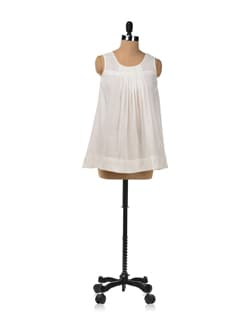 Sleeveless Flared Top In White - RIGOGLIOSO