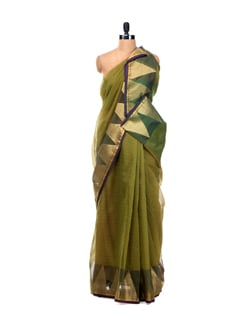 Green Banarasi Saree With Zari Temple Border - Bunkar 7102