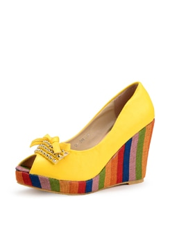Yellow Wedge Sandals With A Striped Heel - Carlton London